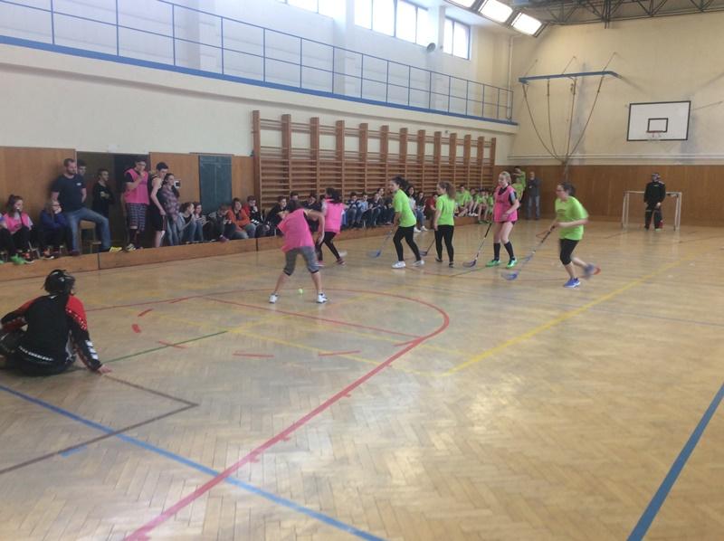 Přátelské florbalové utkání na naší škole