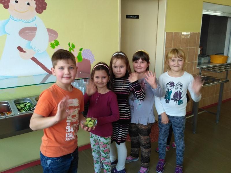 Naše děti jsou nadšené ze zeleninového a ovocného baru