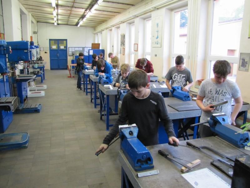 Soutěž žáků základních škol v technických dovednostech a v soutěži elektro