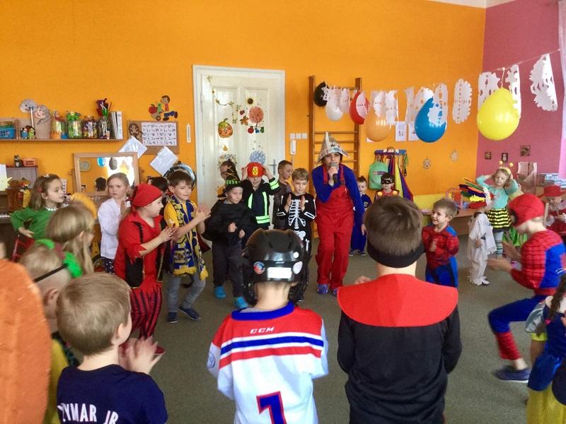 Večerníčkův karneval v mateřské škole