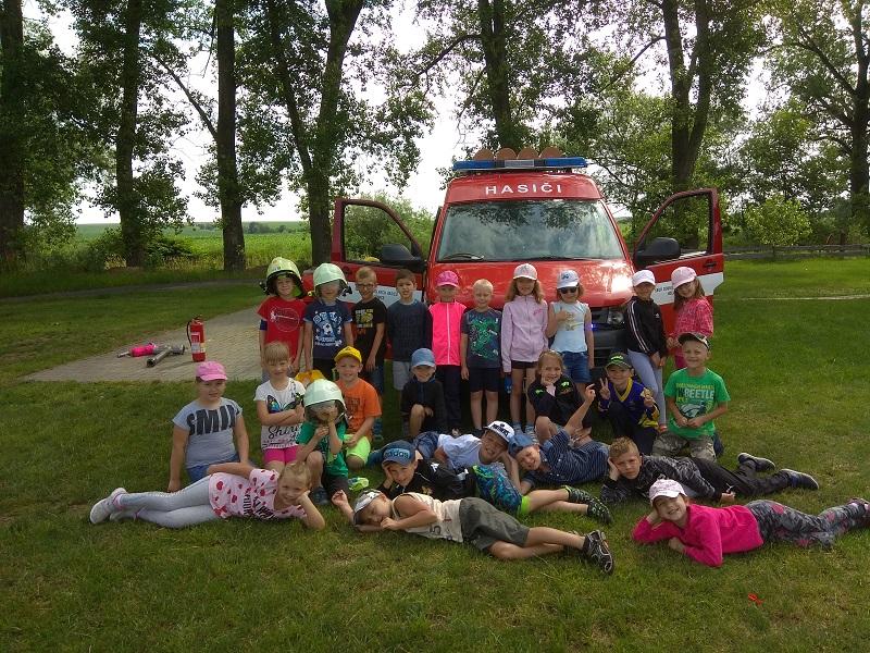 První třída u hasičů v Holasovicích